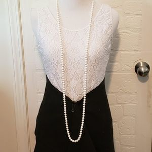 Vintage 1950s White Beaded Necklace